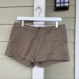 Pants - Volcom• tan shorts